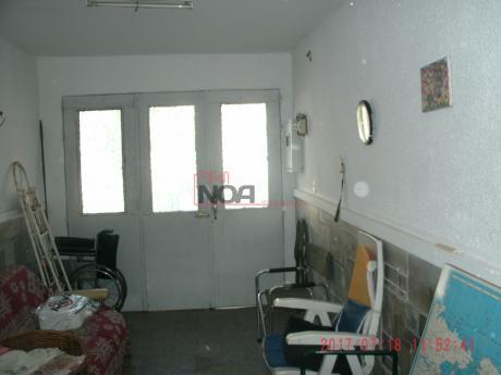 Casa  2/3 Dormitorios Con Garage