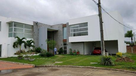 Hermosa Casa En Alquiler De 4 Dormitorios En Suite En Zona Norte