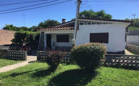 Casa  2  Dormitorios En Nueva Helvecia