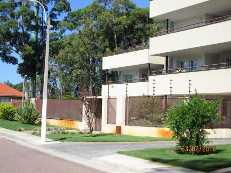 Se Vende Apartamento En Carrasco