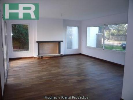 Casa En Carrasco Con Renta A Media Cuadra De La Rambla