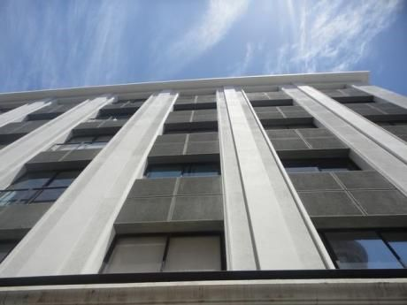 Vendo O Alquilo Lindo Apartamento Sobre La Peatonal Sarandi.