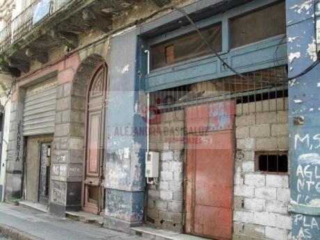 Ciudad Vieja - Colón Entre Cerrito Y Piedras