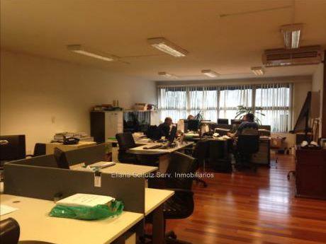 Venta Oficina Ciudad Vieja Con Renta Cw60837