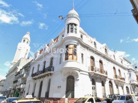 Edificio Palacio Amézaga, Oportunidad De Inversión, 1500 M2