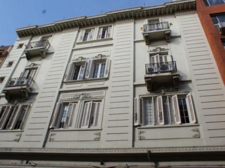 Edificio Emblemático En Ciudad Vieja (2 Unidades)