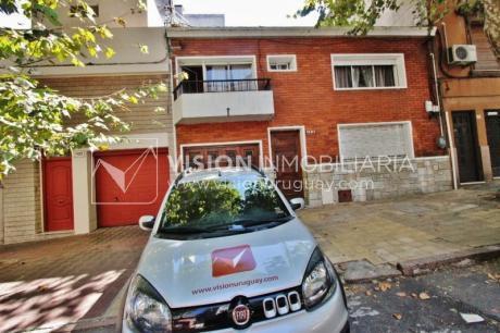 Hermosa Casa 4 Dorm. + Servicio, Garaje, Patio, Parrillero.