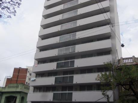 Apartamento En Parque Rodo