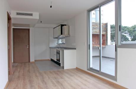 Apartamento 1 Dormitorio Pocitos Parrillero