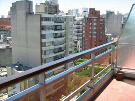 Penthouse Pocitos En Alquiler 3 Dormitorios Y Servicio Con Garage