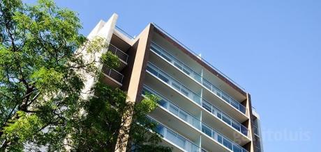Pocitos A Estrenar.2 Dor.85m2. 2 Baños.piso 8 Al Frente Calef.terraza.vig 24 Hs.