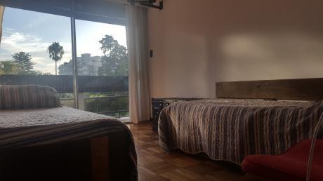 Apartamento Amueblado En Pocitos. 3 Dormitorios Y Servicio