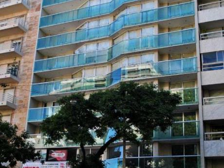 Alquiler, Excelente Apartamento En Pocitos