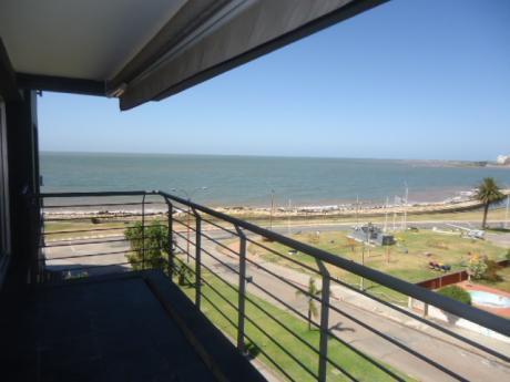 Montevideo, Rambla Del Puerto Del Buceo