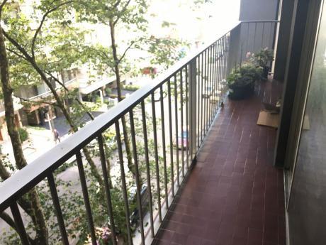 Venta Apartamento Pocitos 3 Dormitorios, Servicio, Con Gje