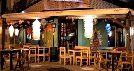 Venta Bar, Resto Y Hostel En Pocitos. En Pleno Funcionamiento