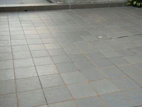 Primer Piso Con Patio Con Parrillero, En Avenida Brasil