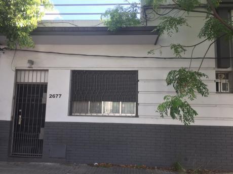 Casa Pronta Para Entrar. A Pasos De Millan Y Vilardebo