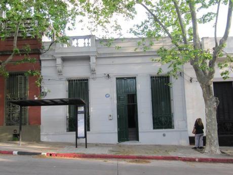 Gdiez Vende Casa Antigua, Aprox. AÑos 20, A Pasos Iglesia De Tapes, 175 M2 Const