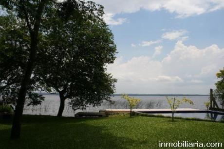 Espectacular Residencia Sobre El Lago54000