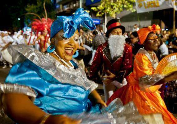 carnaval parquie del plata.jpg