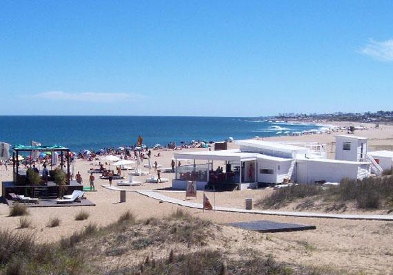 playa barra gente.jpg