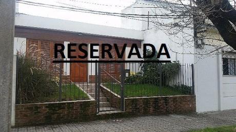 Reservada!!!!!!!!!! Impecable Pu,sobre  Demostenes. Si Banco!!!