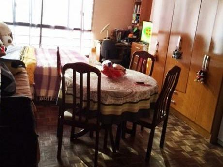 Alquiler Monoambiente Cordón. Colonia Y Carlos Roxlo