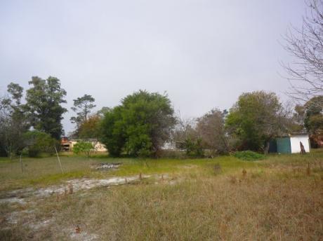 Venta De Terreno En Parque Del Plata Norte 0e0te101pp