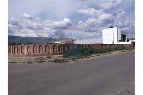 Locales Comerciales En Jayhuayco