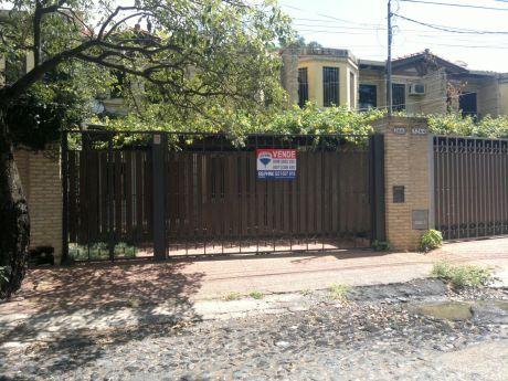 Vendo Amplio Duplex En Barrio Seminario.