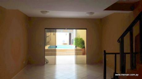 Interesante Residencia Zona Parque De La Salud (221)