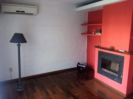 Casa En Prado, 2 Plantas, 3 Dormitorios, 3 Baños.