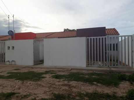 Casa En Venta En Zona Este