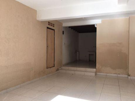 Doy En Alquiler Amplio Local Zona Villa Morra Gs. 2.200.000