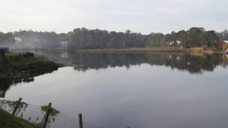 Frente Al Lago, Con Embarcadero, Piscina Y Parrillero