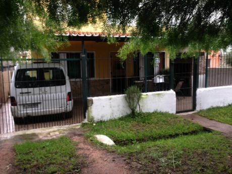Casa Planta Baja Al Frente.2 O 3 Dormitorios En Manga