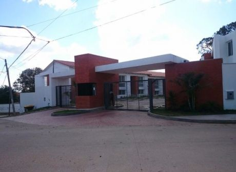 Casa A Estrenar Condominio Costa Dorada.