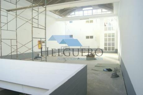 Edificio Con Local Y/o Parking Y 2 Apartamentos En 635 M2 Construidos