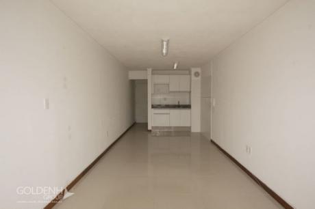Front Park - Unidad De 1 Dormitorio, Piso Medio.