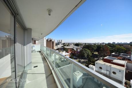 Torre Aquarius - Apartamento Premium En último Piso Con Terraza, Gran Vista Y Garaje.