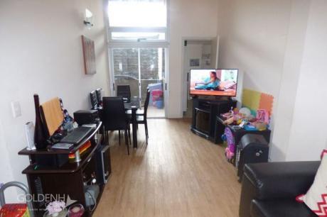 Apartamento En Altos Del Libertador, 2 Dormitorios Y Gran Terraza-patio.