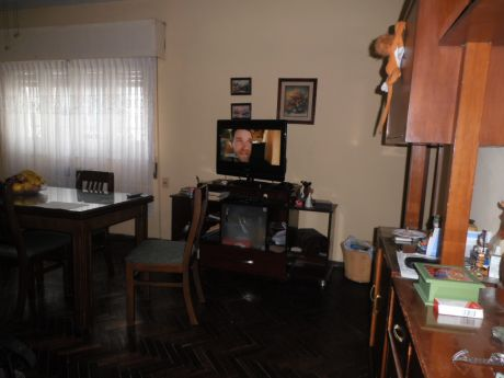 Ref 1806, Muy Buen Apartamento Sobre 8 De Octubre Y Abreu
