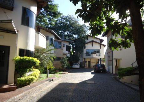 Alquilo Duplex En Condominio En Villa Morra