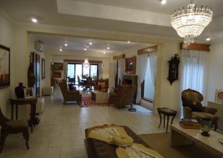 Exclusiva Y Fina Residencia En Zona Boggiani...