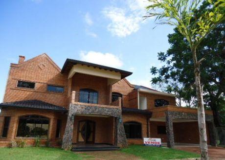 Vendo Amplia Residencia De 5 Dorm  En El Exclusivo Country Rakiura