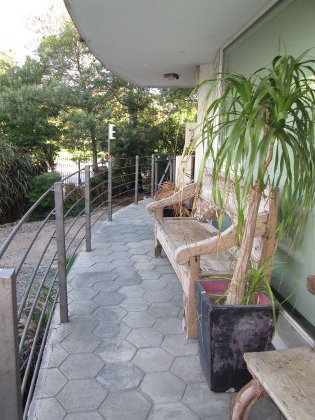 Apartamento 3 Suites Con Jardín Propio Y Parrillero