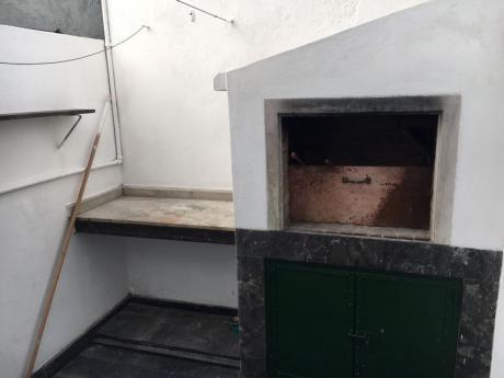 En Alquiler: 1 Dormitorio Y Parrillero