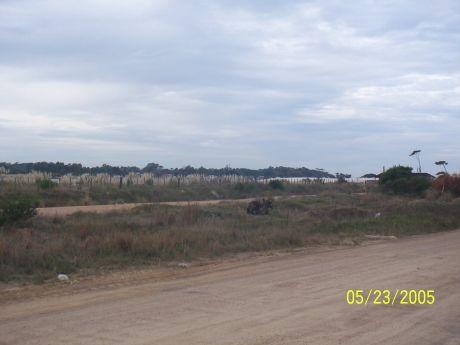 Buena Ubicacion Terreno Punta Pinares Frente Al Arroyo