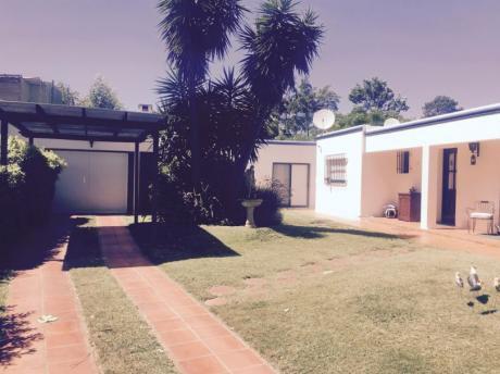 Casa Con Piscina Climatizada Y Parque